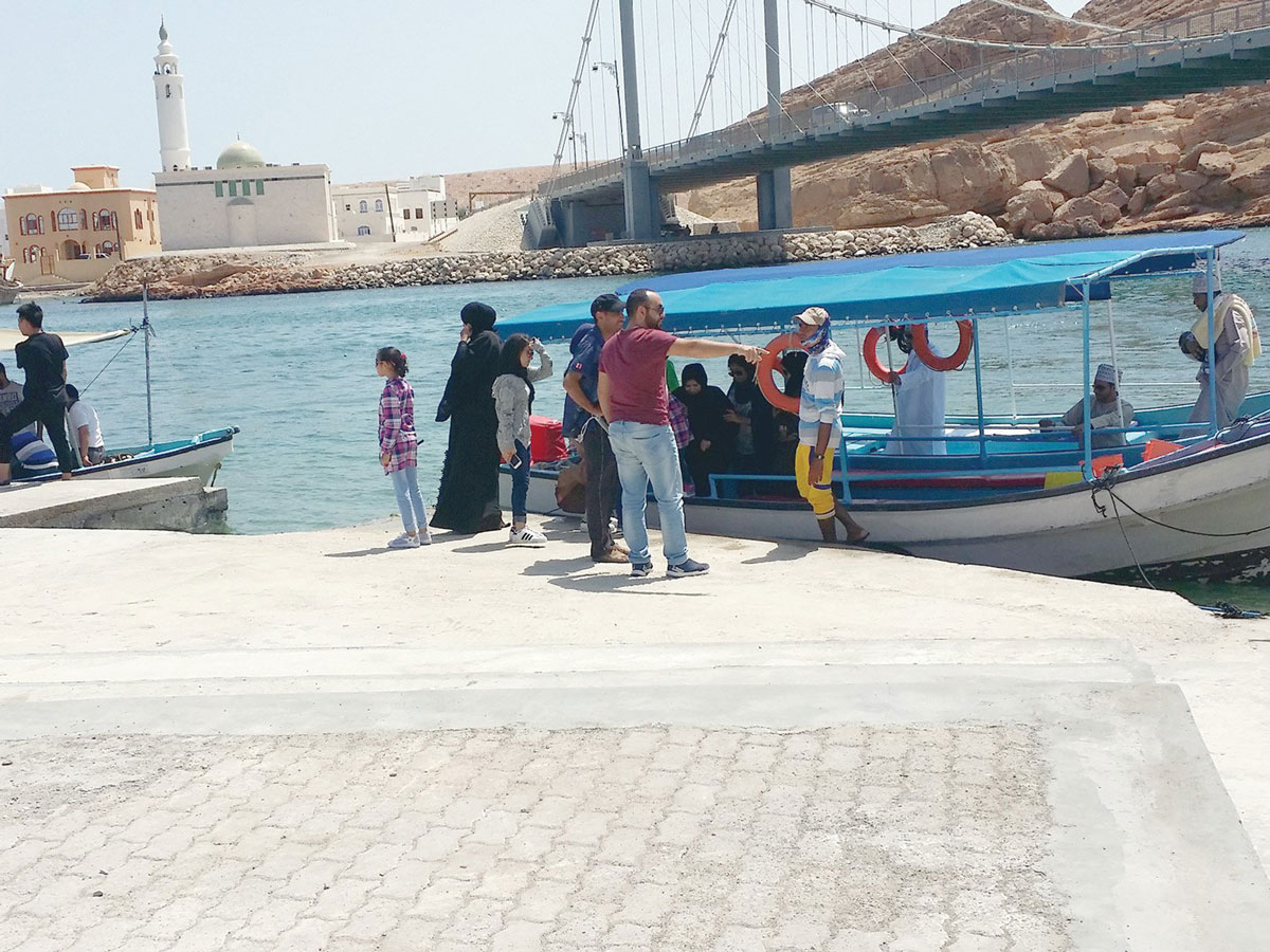 Boat rides are the latest tourist attraction in Sur